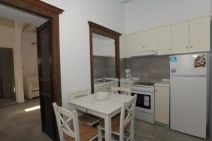 Traditional Apartment in Chora (upper Floor)